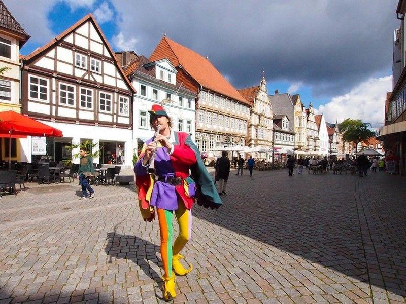Hamelin –y su famoso flautista– forma parte del recorrido en la Ruta de los Cuentos.