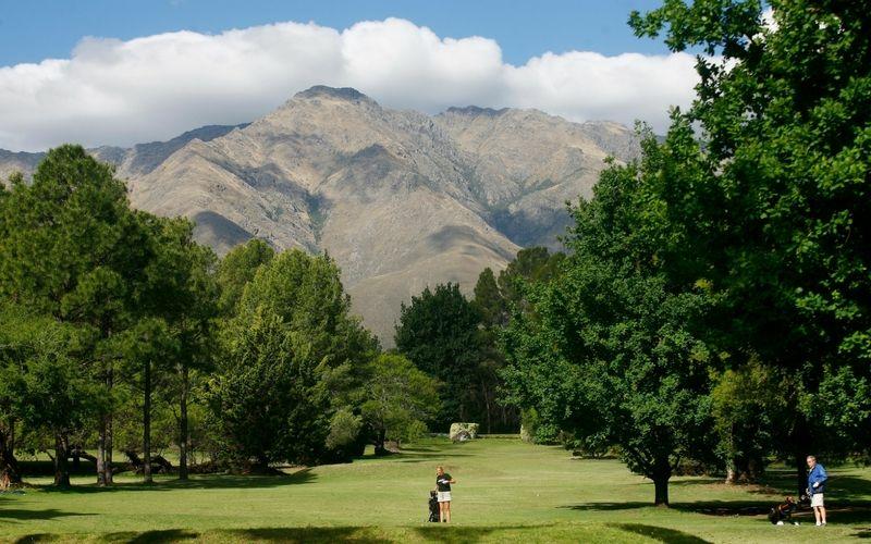 Córdoba también tiene varios campos de golf. Imperdible