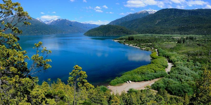 Panorámica del lago Puelo.