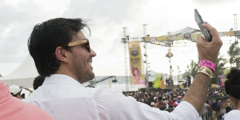 El artista disfrutó a pleno de un destino especial como es Ixtapa-Zihuatanejo.