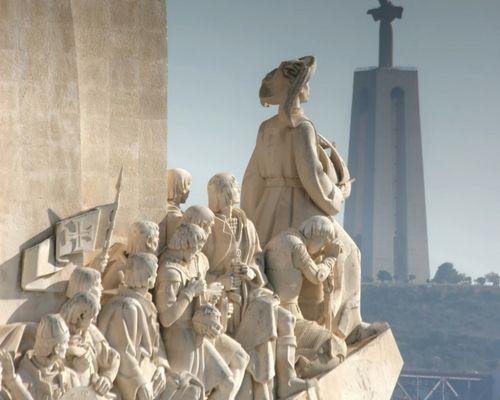 El Monumento a los Descubrimientos rinde homenaje al navegante que descubriera las islas Azores