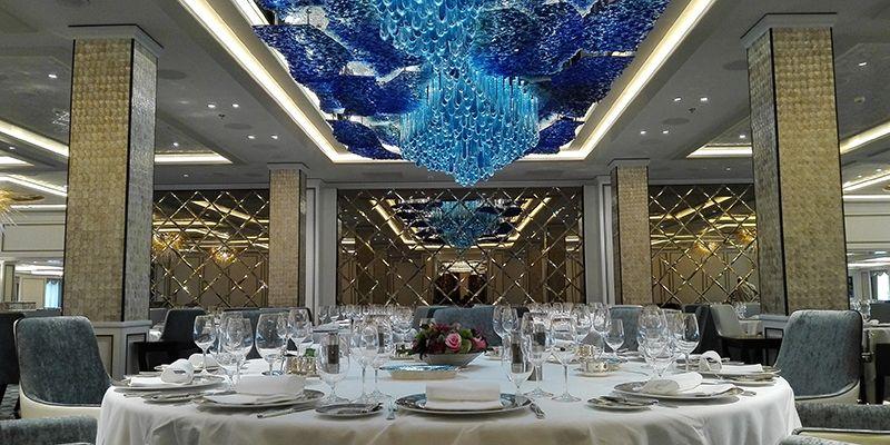 Regent Seven Seas Cruises cuida cada detalle en los espacios comunes y en las suites.