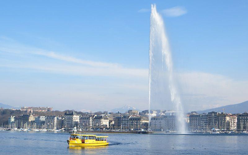 El Jet d'eau tiene 140 m. de altura y lanza 500 l. de agua por segundo.