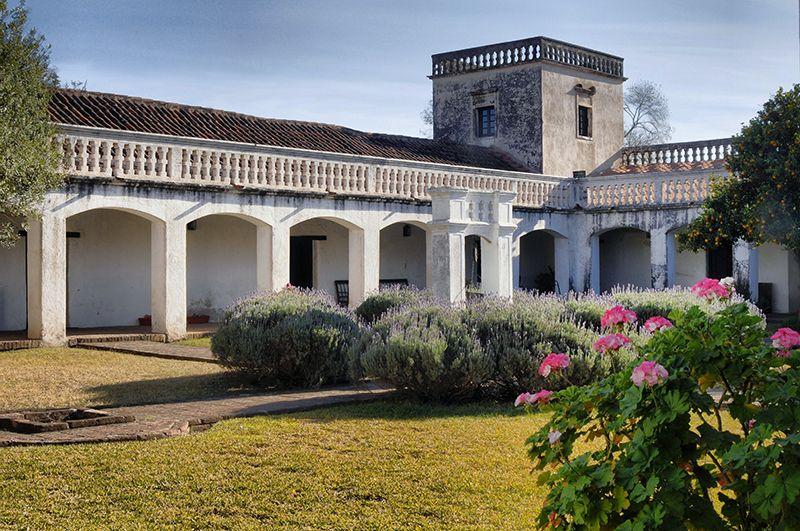 La Estancia Jesuítica de Colonia Caroya.