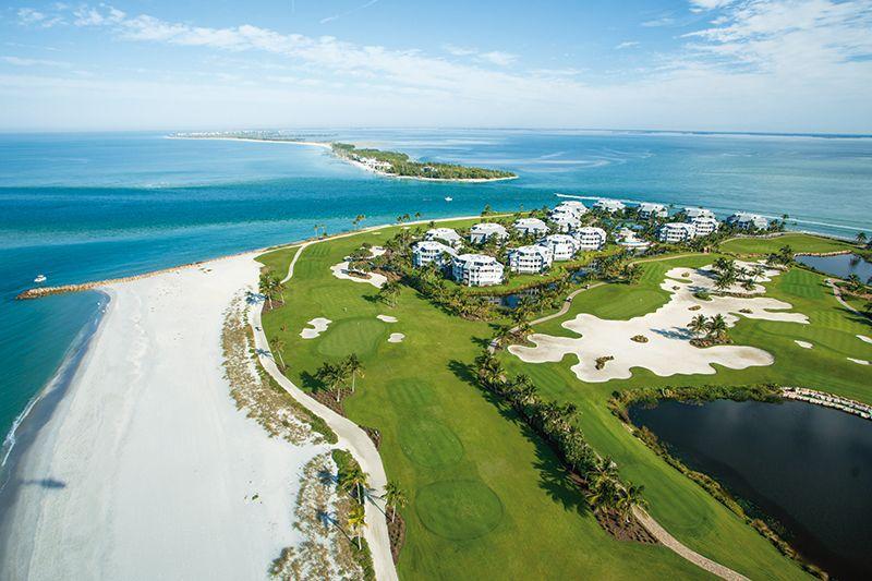 Existen varios campos de golf por la zona.