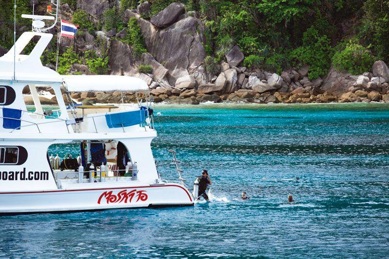Paseos náuticos en Similan.