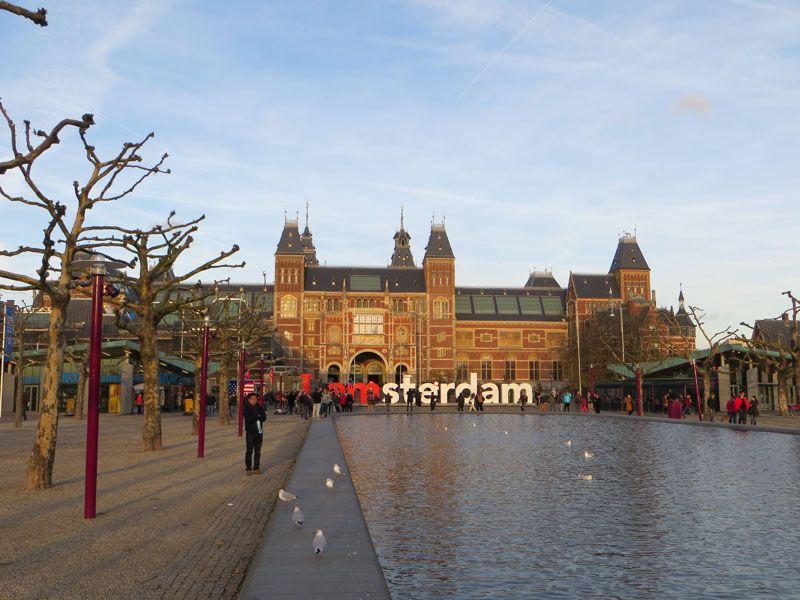 Los museos en Museumplein.