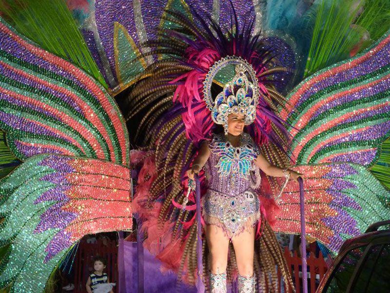 Exponente del carnaval de Misiones.