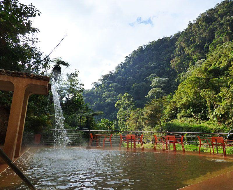 Santa Rosa de Cabal cuenta con centros de gran calidad para disfrutar de los beneficios del termalismo en medio de las montañas.