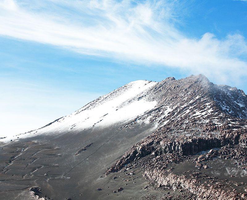 El Parque Nacional los Nevados le permite a los turistas pasar de los paisajes cafeteros a las montañas nevadas superiores a los 4 mil metros.