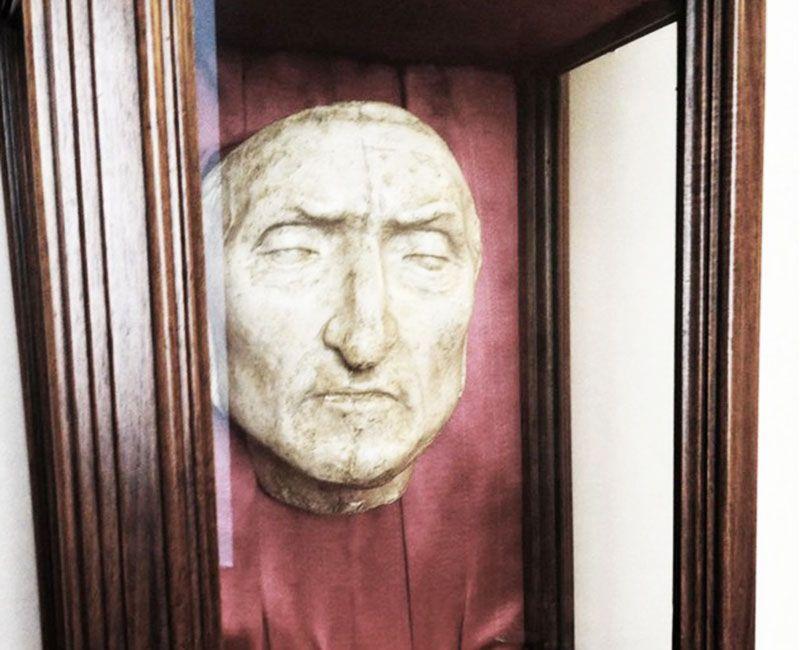 La máscara real expuesta en el Palacio Vecchio.