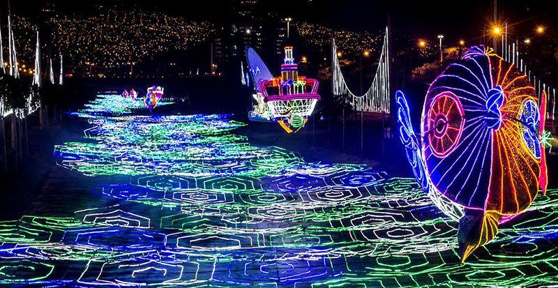 Medellín se convierte en la ciudad de las luces por estos días.