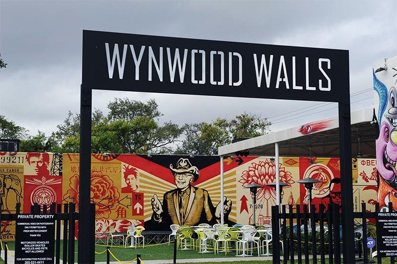 La zona de Wynwood Walls expone obras de personalidades consagradas del arte callejero.