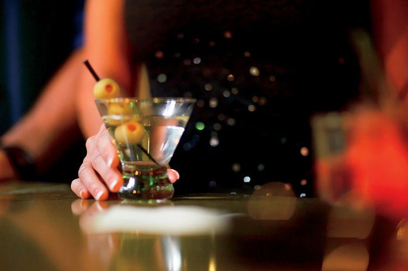 La noche es ideal para salir de copas.