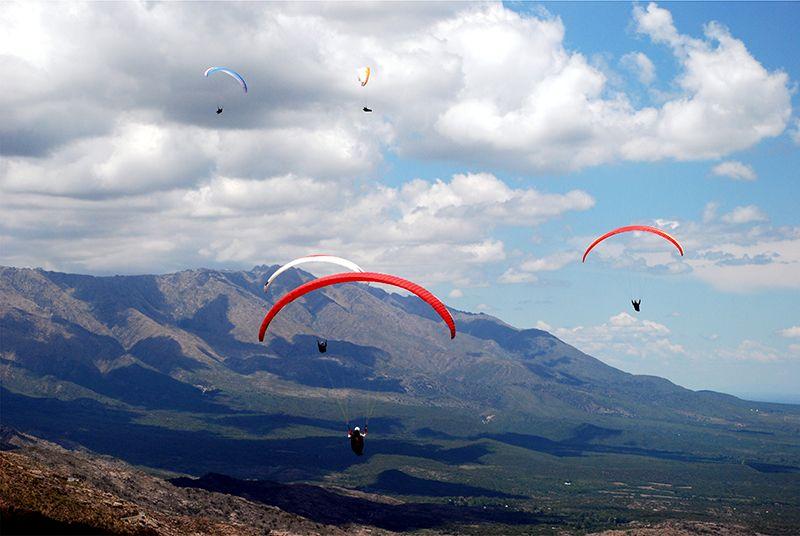 Parapente en Cuchi Corral (La Cumbre).