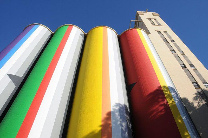 Los silos Davis albergan la colección del Macro de Rosario. Arte argentino del S. XlX y XX.
