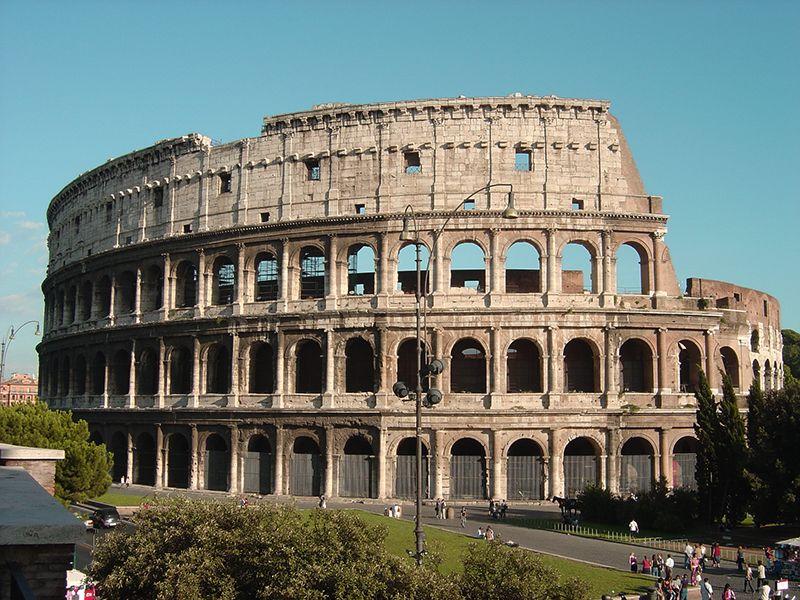 Uno de los imperdibles de Roma es el Coliseo. Si tenemos poco tiempo es bueno prever la visita apenas llegamos a la ciudad.