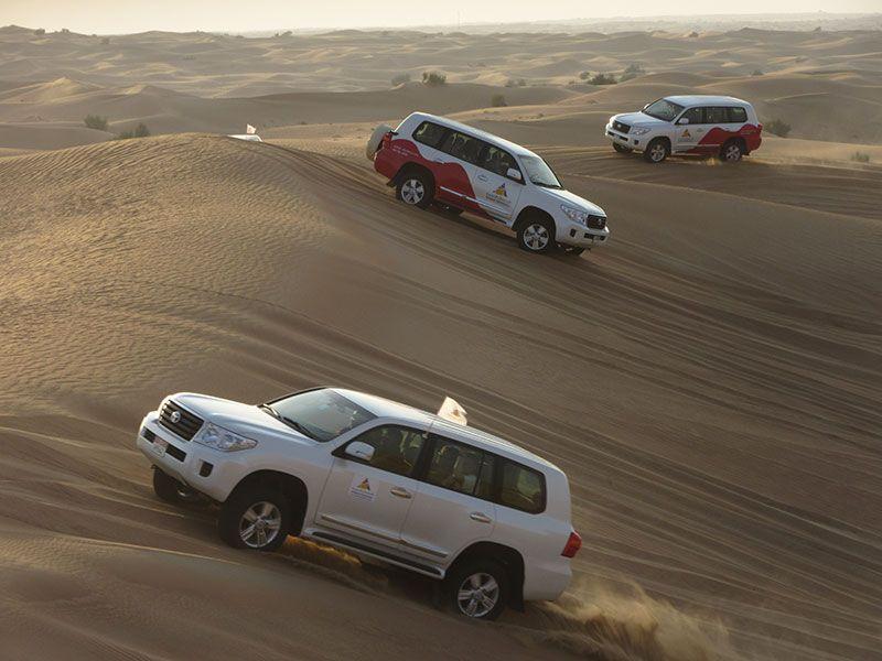 La caravana por las dunas asegura saltos y emociones.