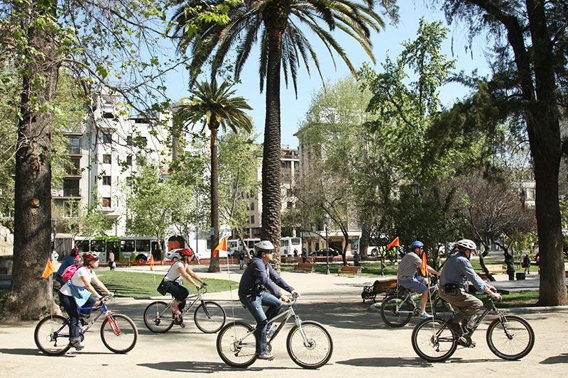 Las bicicletas son el medio de transporte elegido por locales y turistas para recorrer la ciudad.