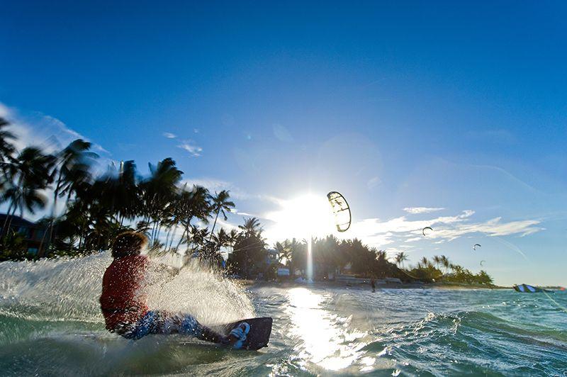 El oleaje intenso y los vientos fuertes de las playas del norte de República Dominicana permiten la práctica de deportes extremos.