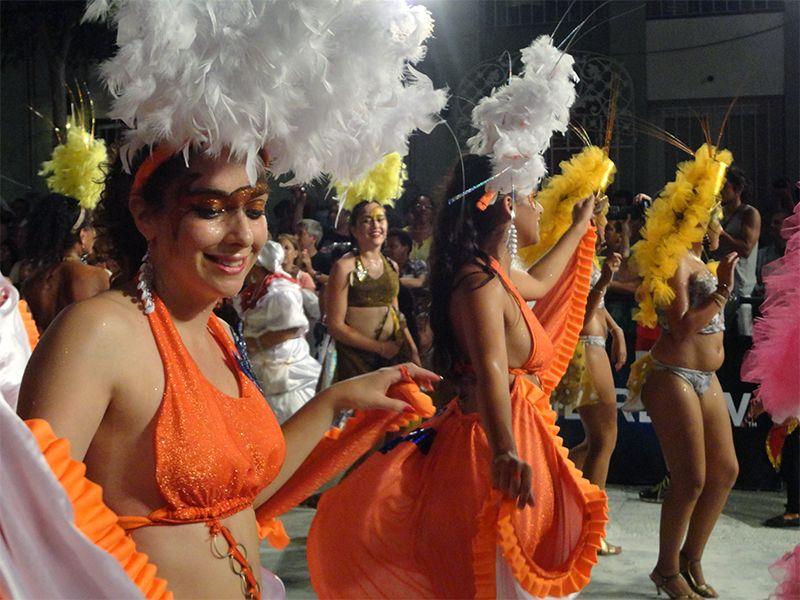 Febrero es sinónimo de carnaval en Uruguay.