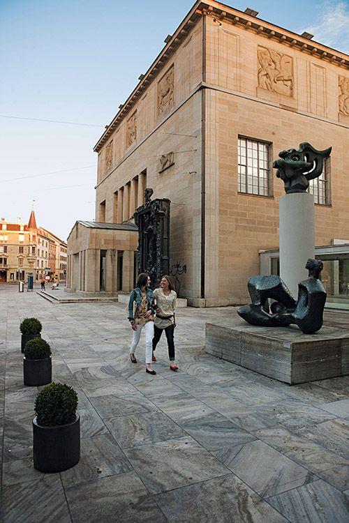 El Museo Kunsthaus Zürich aloja obras de arte desde la Edad Media hasta la actualidad.
