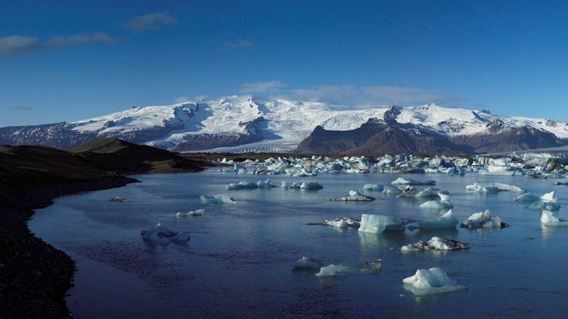 El mundo helado más allá del muro: el Parque Nacional Glaciar Vatnajökull –Islandia–.