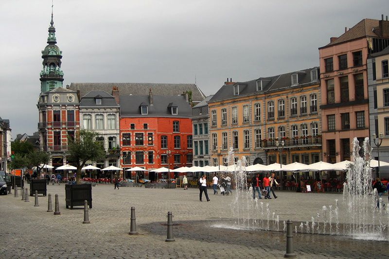 Mons es una de las capitales europeas de la cultura.