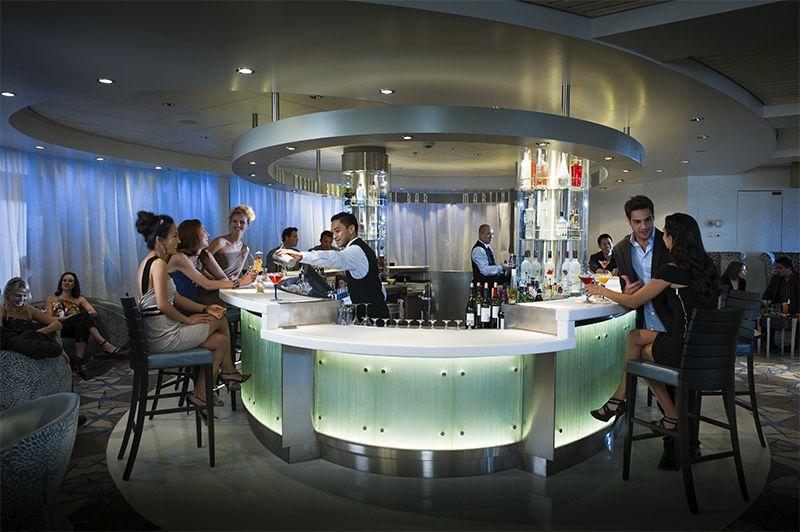 El Martini Bar se destaca por su barra de hielo.