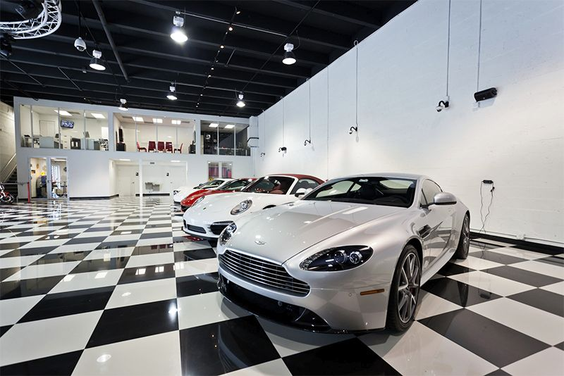 Quienes visiten el salón de Miami Classic Garage podrán apreciar la diversidad de modelos y marcas que ofrece la compañía.