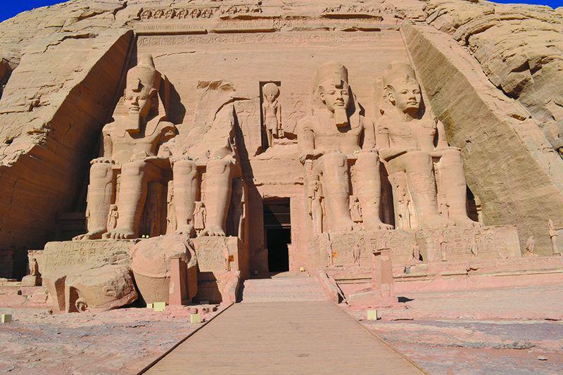 Abu Simbel es probablemente el más impresionante de los conjuntos monumentales que el turista puede visitar en Egipto.