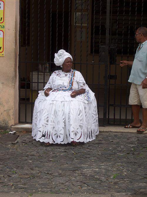 Las bahianas con sus impecables vestidos blancos