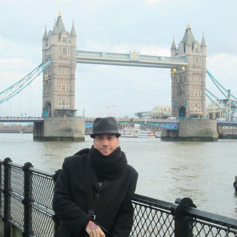 El Puente de la Torre fue uno de los íconos de Londres que visitó.