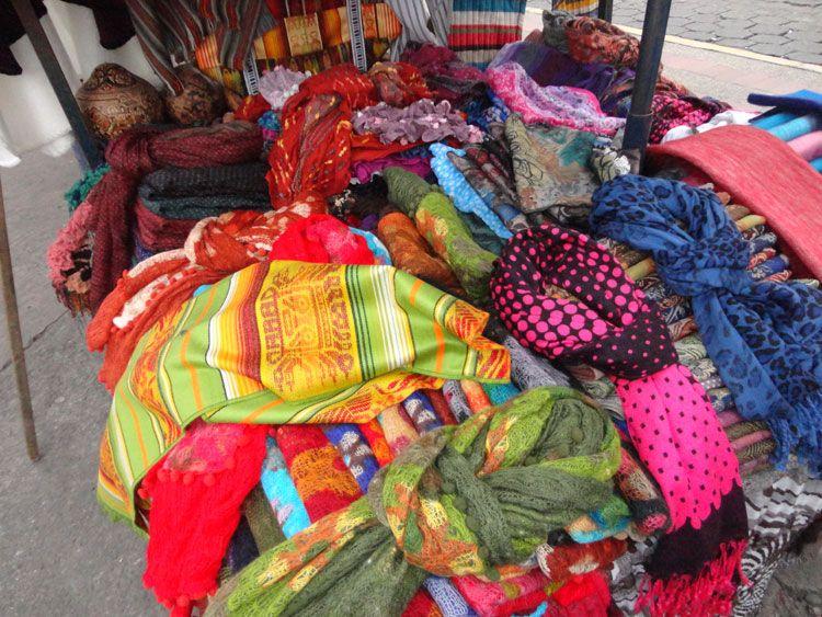 Los textiles son el sello distintivo de Otavalo y las comarcas de los alrededores.