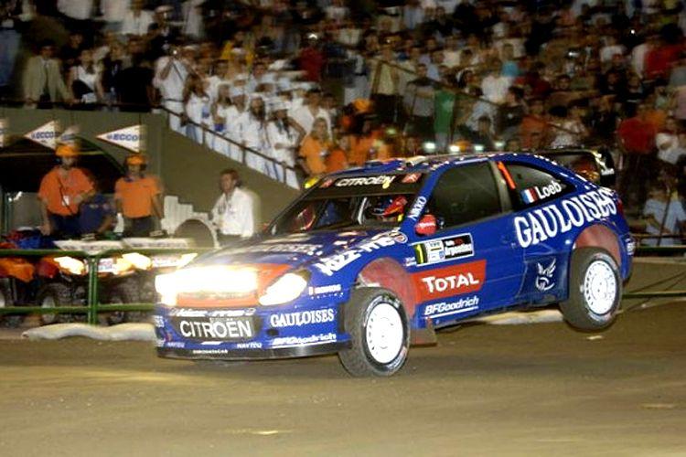 Las diferentes escuderias muestran sus coloridos vehículos tuneados para la competencia.