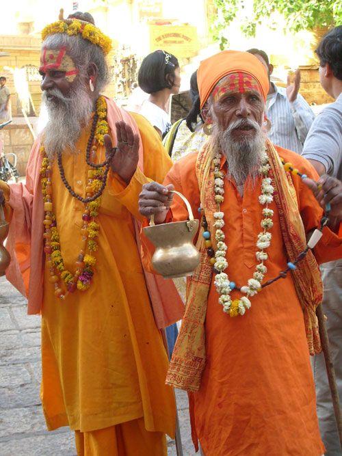 7-El colorido y la intensa religiosidad se hacen presentes en cada rincón de India.