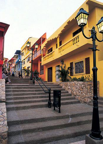 El barrio Las Peñas es el enclave perfecto para encontrarse con la faceta colonial y bohemia de Guayaquil.