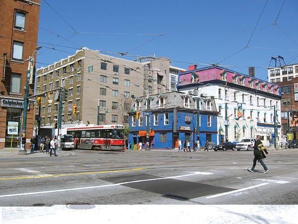 La avenida Spadina es la arteria que conduce al barrio chino de Toronto.