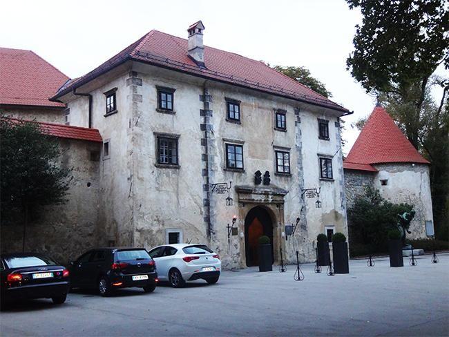 Hotel Grad Otocec: alojarse como reyes