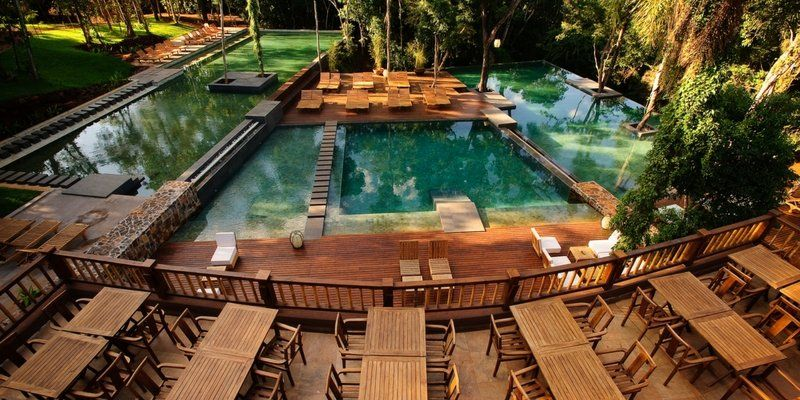 Loi Suites Iguazú Hotel es un magnífico hotel 5 estrellas inmerso en la selva subtropical Iryapú.