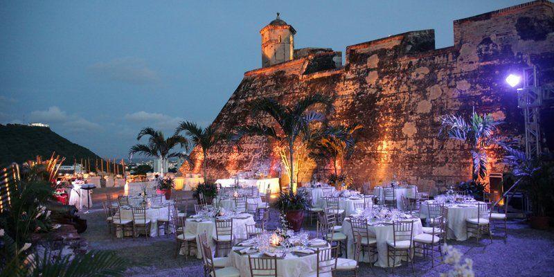 Los 11 km. de murallas que rodean el centro histórico de Cartagena son uno de sus principales atractivos.