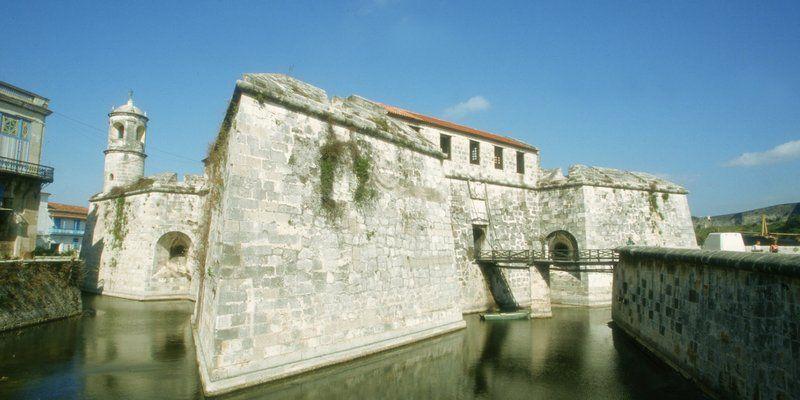 El Castillo de la Real Fuerza es el conjunto defensivo más antiguo de Cuba y uno de los más bellos.