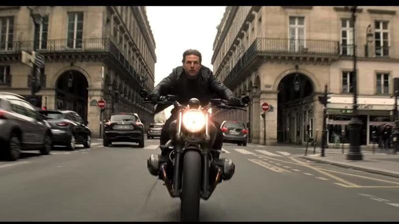 Ethan Hawke (Tom Cruise)