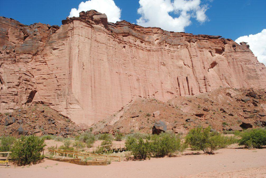 El imponente paisaje de los paredones de Talampaya.