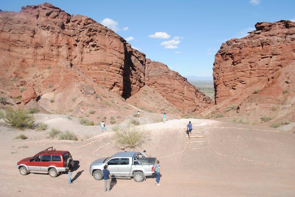 El cañón del Triásico remonta a un viaje por las huellas del tiempo de los dinosaurios.