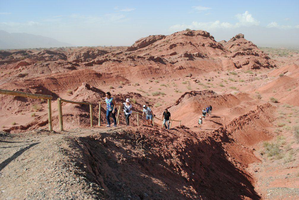 En el trekking de Vallecito Encantado se descubren maravillosas geoformas y un recorrido mágico.