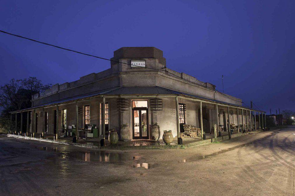 Las callecitas de Pueblo Garzón y sus restaurantes con encanto conforman una escapada romántica imperdible en el verano esteño.
