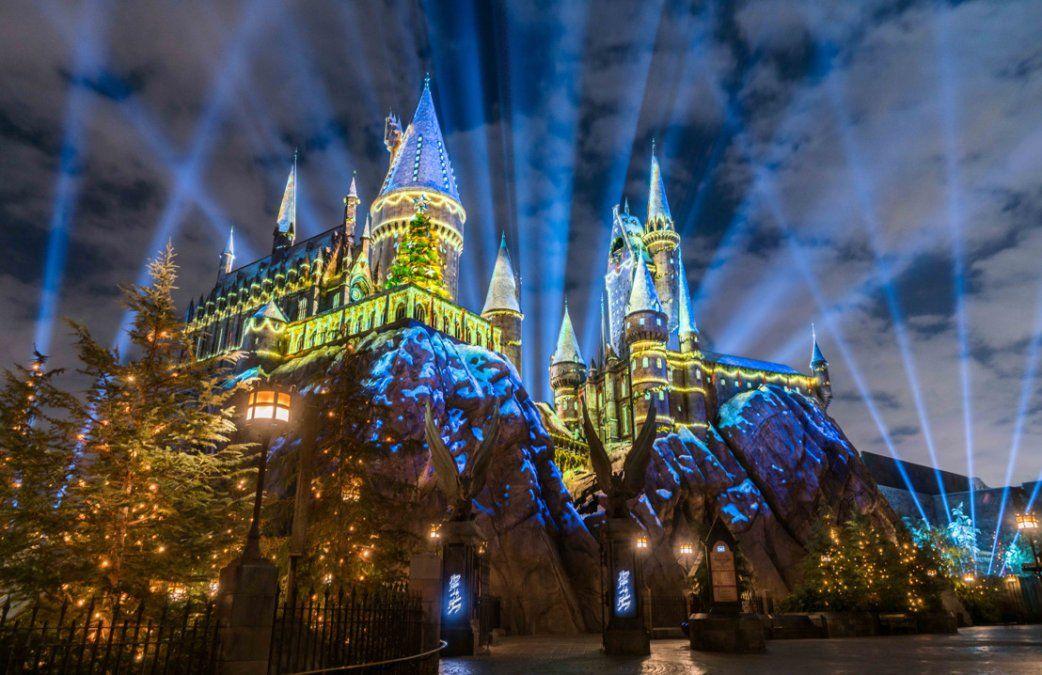 En Los Ángeles se puede disfrutar de las fiestas desde otra perspectiva: en el Castillo de Hogwarts y junto a las propuestas de Harry Potter.