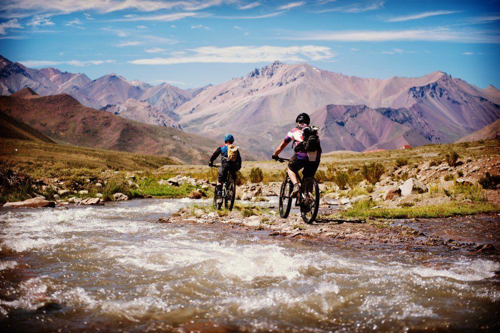 En verano la aventura toma forma en Las Leñas. Desde mountain bike hasta cabalgatas