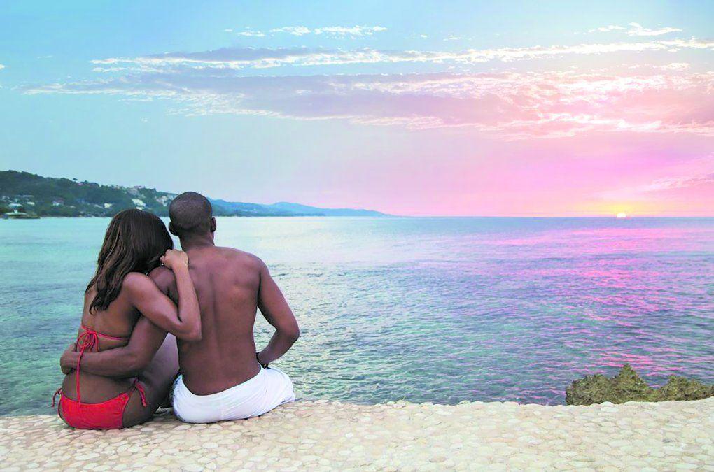 Las puestas del sol y las vistas impactantes de la isla son el mejor escenario para un compromiso.